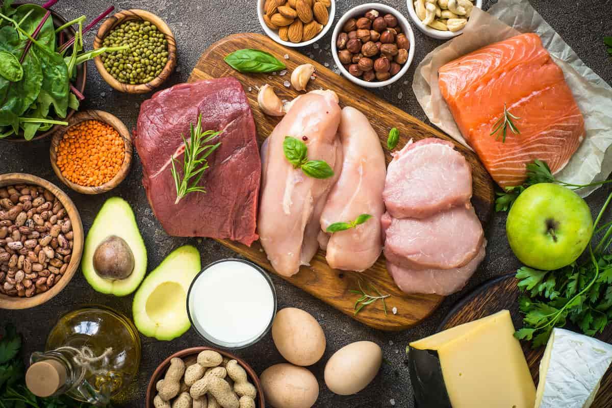 たくさんの種類のお肉や野菜