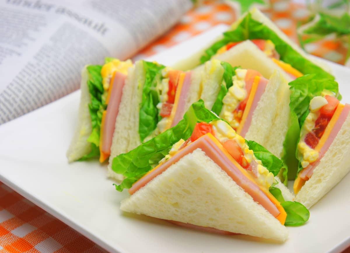 素敵に飾られたサンドイッチ